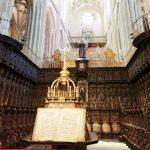 хоры в кафедральном соборе