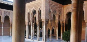 Беседка в дворике Львов. Альгамбра