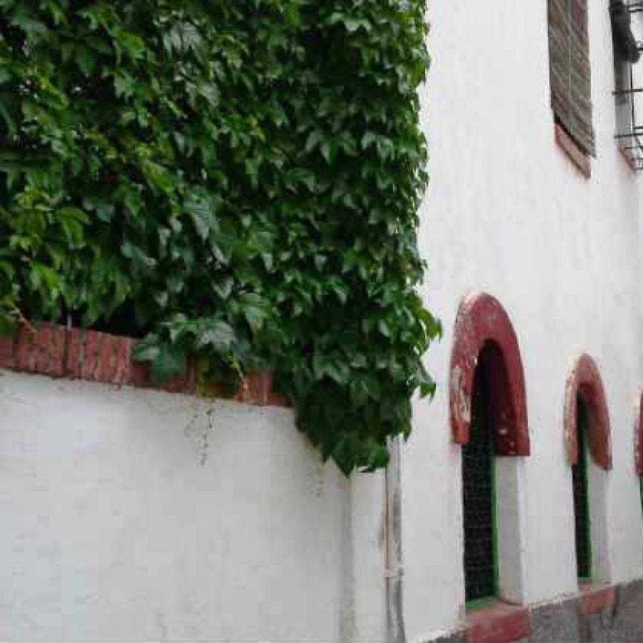 Улочка Альбайсина в Гранаде