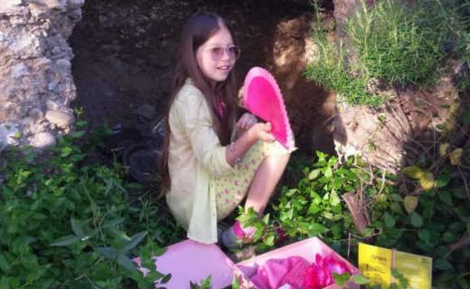 Как интересно провести совместные дни отдыха с детьми в Гранаде? Для ваших детей от 6 лет предлагается занимательная экскурсия: с загадками, историями и подарками.